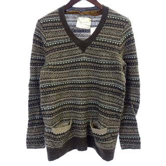 サカイ/SACAI  Vネック 総柄 ウール 混 ニット セーター 買取致しました。 買取参考価格は 5,000~6,000円前後 となっております。